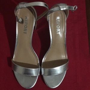 Report Pamela metallic silver sandal